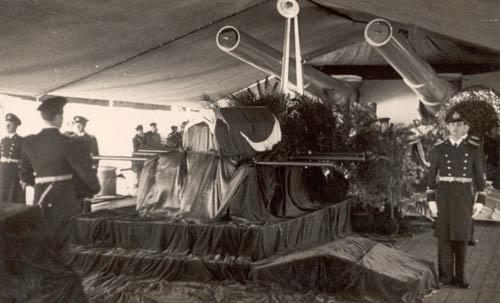 Atatürk'ün naaşı Yavuz zırhlısında, 19 Kasım 1938.